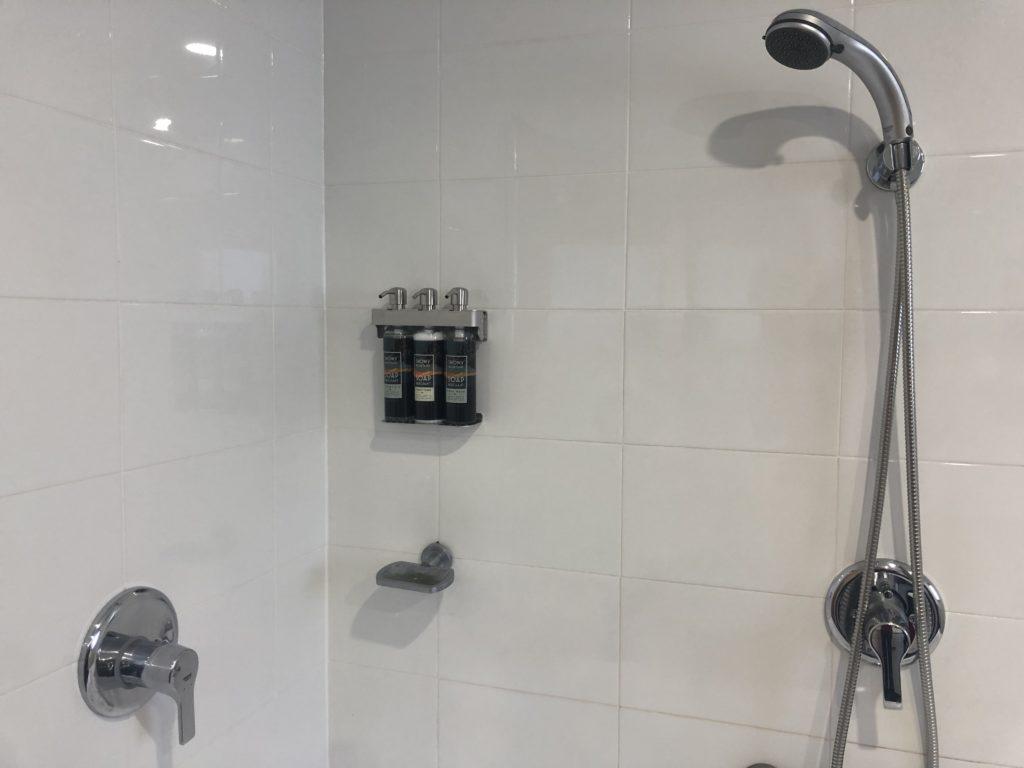 Akuna Thredbo bathroom
